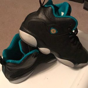 Jordan Jumpman team II shoes- size 3y